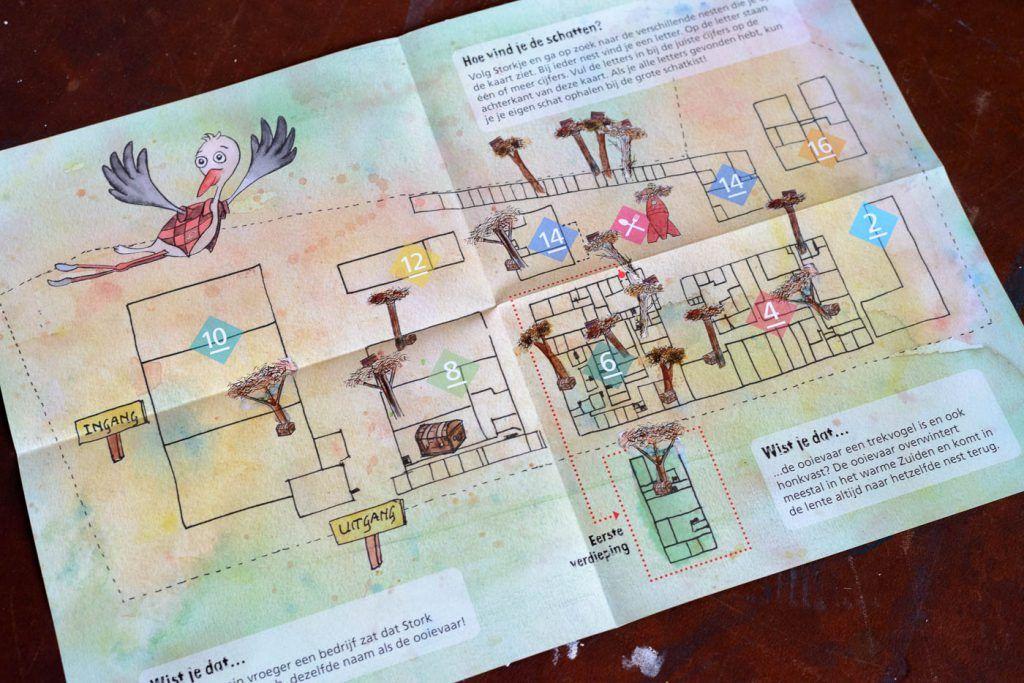 Speurkaart Storkje opengevouwen
