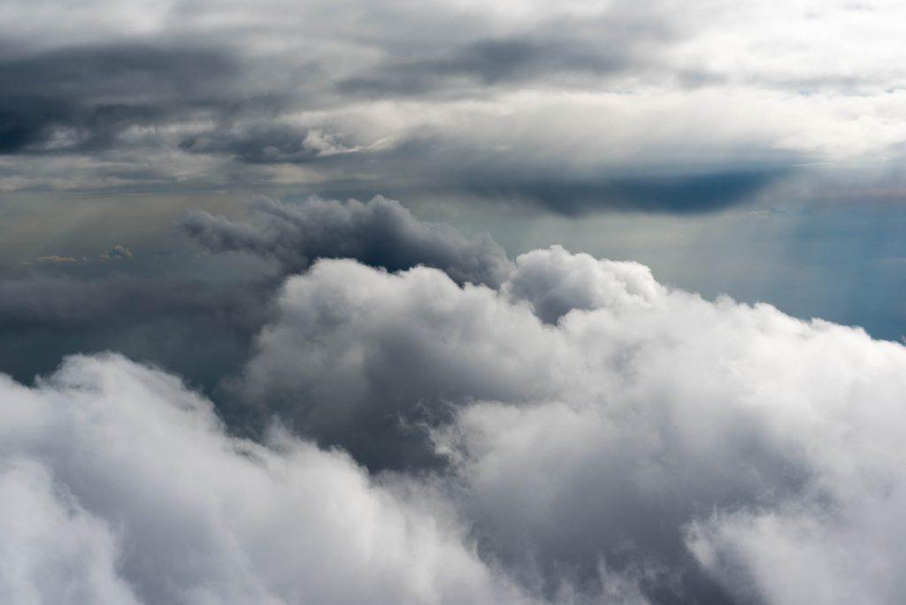 Alleen maar wolken